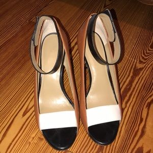 Size 9 Ann Taylor black, white and camel  heels